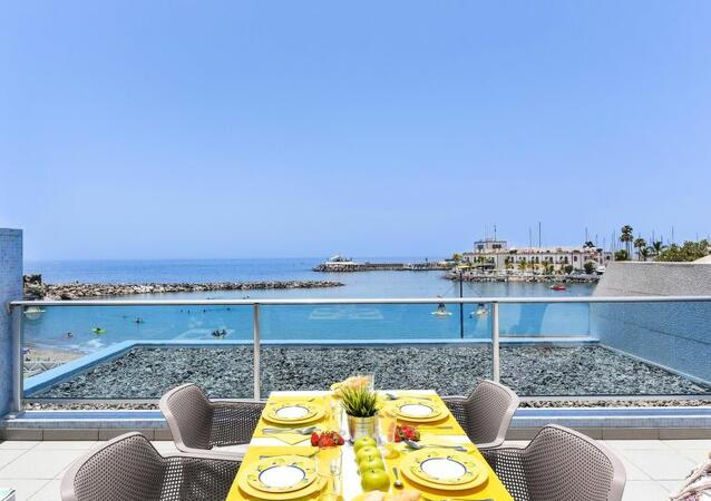 Résidence Beach front Apartment in MOGAN MB