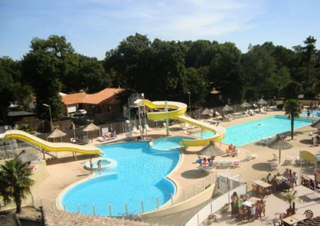 Camping les biches location saint hilaire de riez for Piscine st hilaire