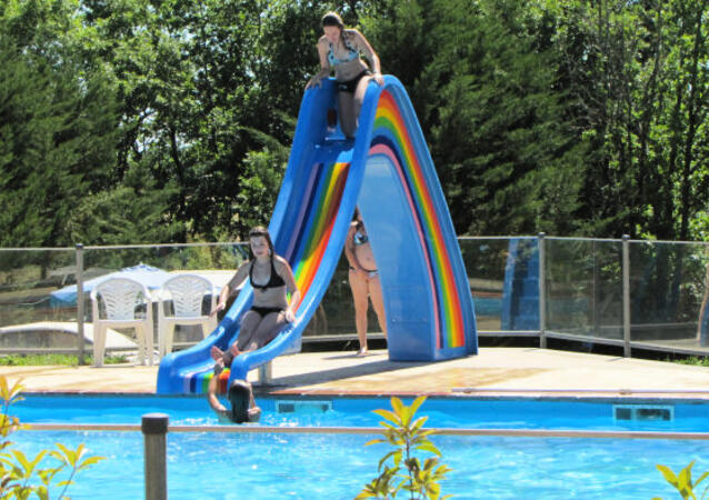 Camping Fontaine Du Roc***